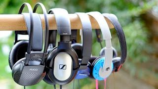 20 best headphone   We review the bestheadphonesyou can buy in the UK in 2016. Get the most for your money with our top headphones for yoursmartphoneortabletincluding best in-ear headphones best on-ear headphones and best over-ear headphones.  Walk the streets of any town or city and you will see myriad people locked in to their own world listening intently to headphones plugged in to smartphone tablet or even - surely not - anMP3 player. The digital audio revolution has happened and I can't…