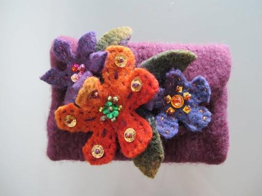 Beautiful DIY make up pouch from Lankasydän blog