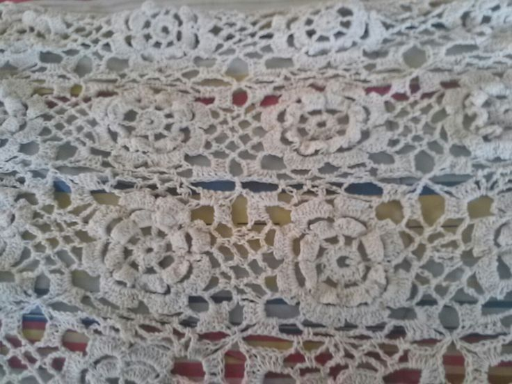 Colcha, detalle, a crochet o ganchillo, tejida con hilo de algodón Reginella, por Verónica Ábel