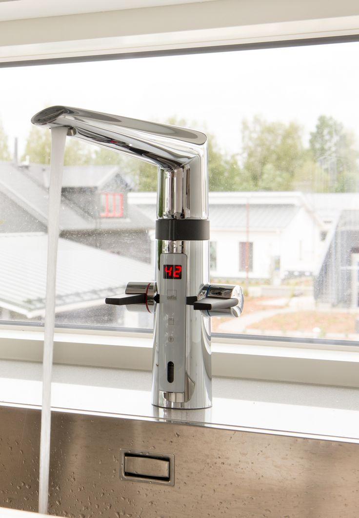 Electronic kitchen faucet Oras 2727F. #Kitchen #Touchless #tap