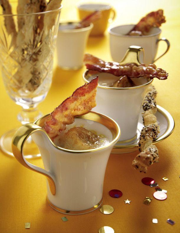 Unser beliebtes Rezept für Sellerie-Cremesuppe mit Jakobsmuscheln und Speck und mehr als 55.000 weitere kostenlose Rezepte auf LECKER.de.