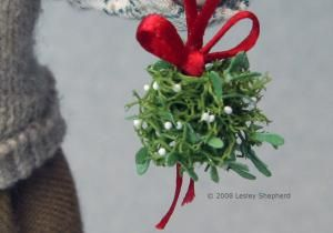 Make Miniature Mistletoe Christmas Balls for Dolls House Scale Scenes.: Add Clusters of Berries To Your Miniature Mistletoe