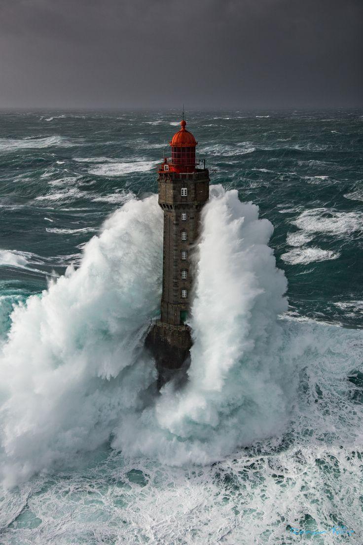La Jument lighthouse - Le phare de la Jument à Ouessant, lors de la tempête Ruzika, 50 noeuds de vent et une houle de plus de 10m ce jour-là. La Jument lighthouse in Brittany at Ouessant island, during the storm Ruzika, 50 knots of wind and a swell furthermore of 10m this day. https://www.facebook.com/RonanFollicphotographies/ http://ronanfollic.fr/phares-en-mer.html