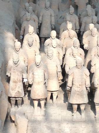 Museo de los Guerreros de Terracota y Caballos de Qin Shihuang: .