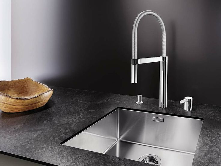 BLANCO CULINA-S DUO  has a separate control element, which can be positioned freely to the countertop.  #Blanco #BlancoCulinaSDuo