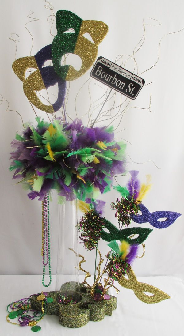 Mardi-gras-tall-centerpiece