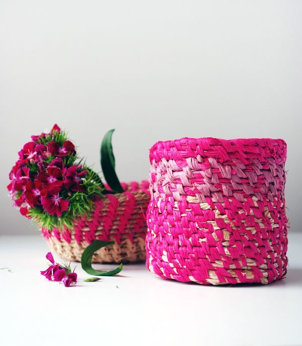 Learn how to make a coiled raffia basket with Lisa Tilse's step-by-step tutorial. Gorgeous for your home - and perfect for gifts.