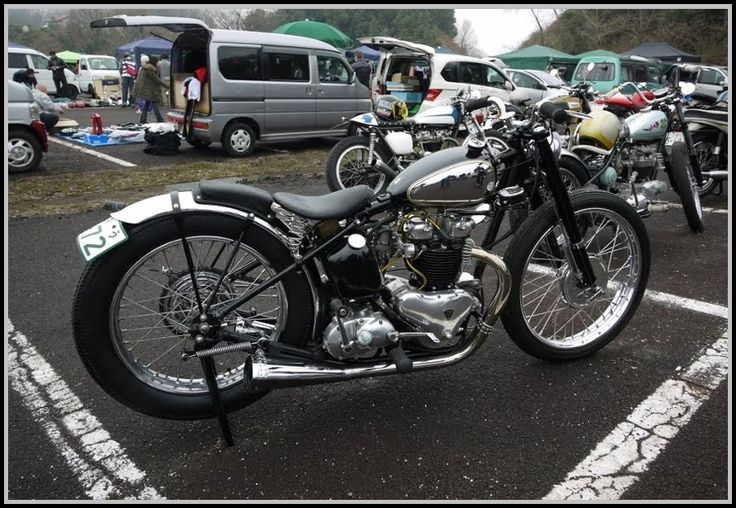 pre unit bsa motorcycle | BRITISH IRONWORKS: Probably The Nicest Triumph I've Seen This Year