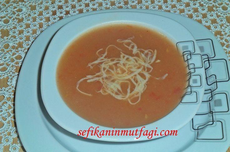 Kızılcık Tarhana Çorbası #TürkYemekleri #çorba #çorbatarifleri #soup #recipes http://sefikaninmutfagi.com/kizilcik-tarhana-corbasi/
