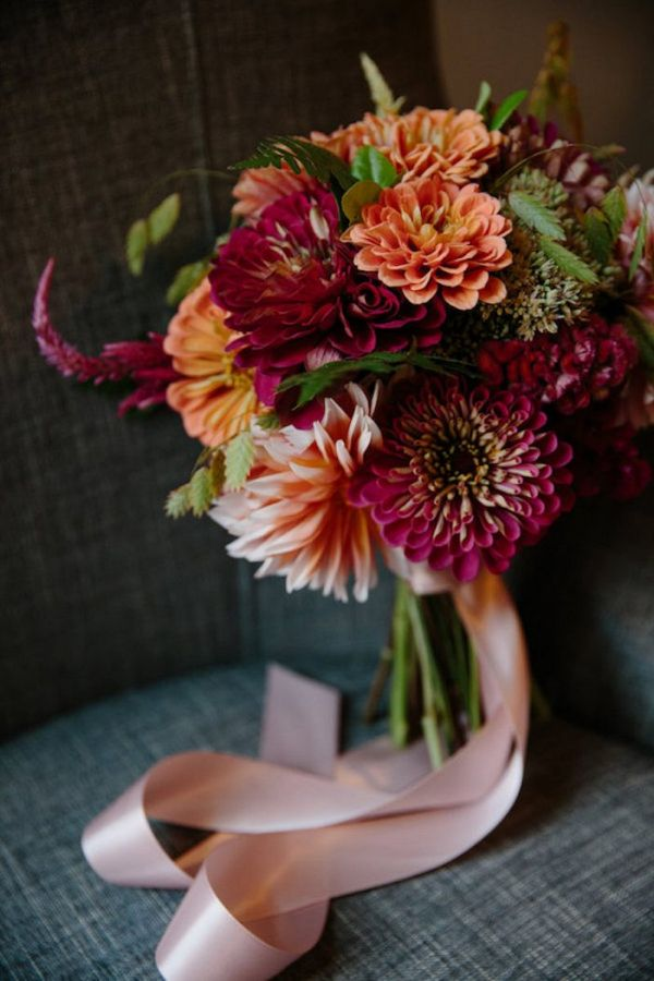 Dahlia bouquet    #aislesociety #wedding #weddingphotos #bouquet #fallflowers