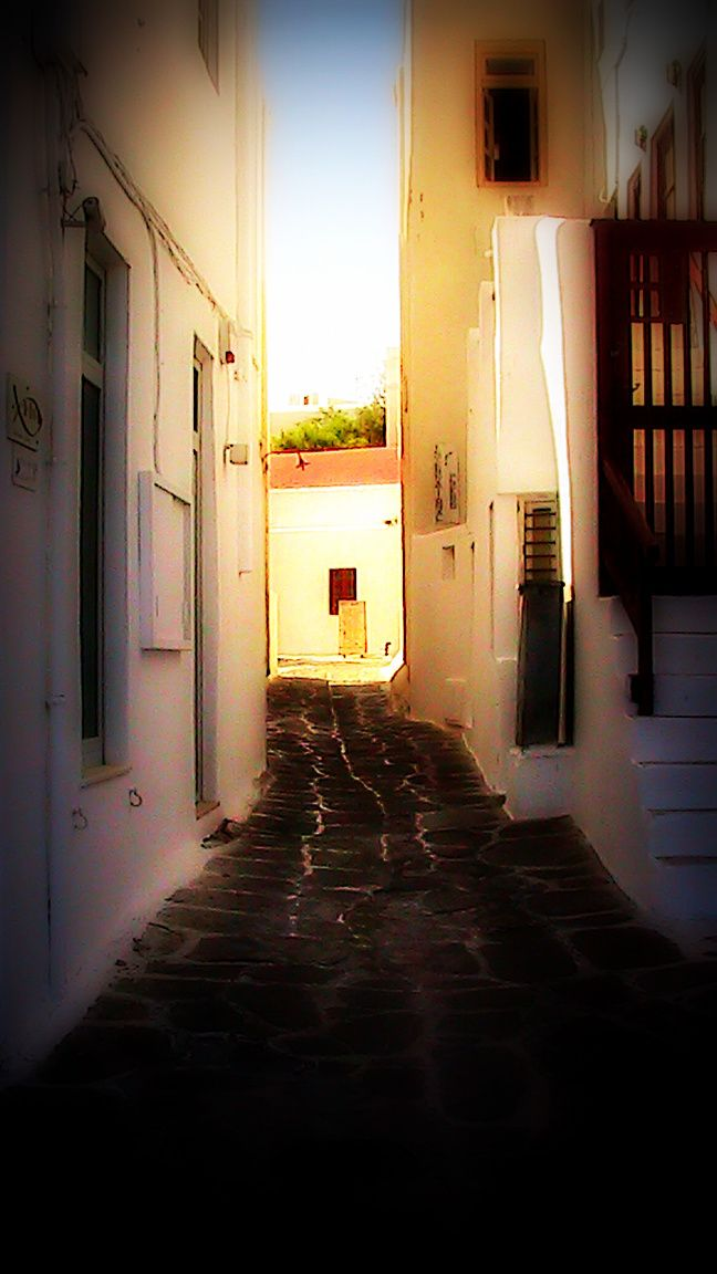 Narrow backstreet at Mykonos Town...