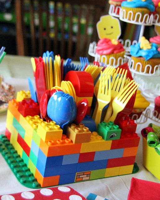 Lego party, my little brothers would LOVE this!!!