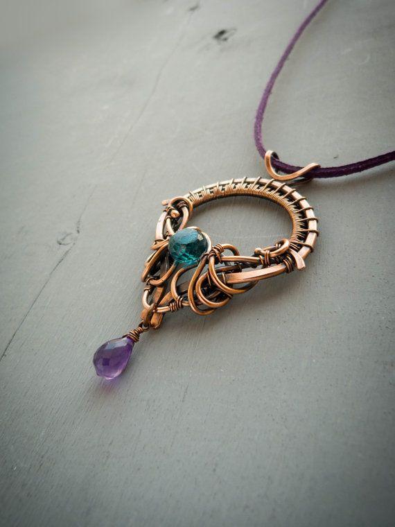 Pendentif fil cuivre trône de la Reine - bijoux fil