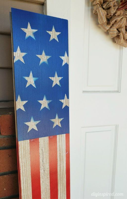 Upcycled Fourth of July Front Door Decorations - DIY Tutorial plus FREE stars printable