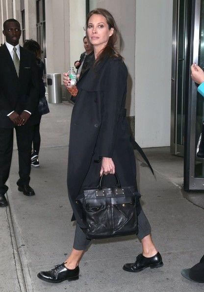Christy Turlington carrying the rag & bone Pilot Bag