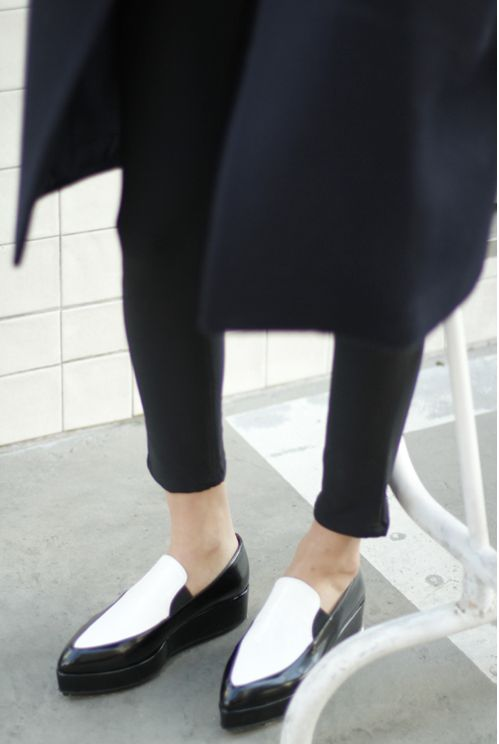 black and white flatform inspiration post