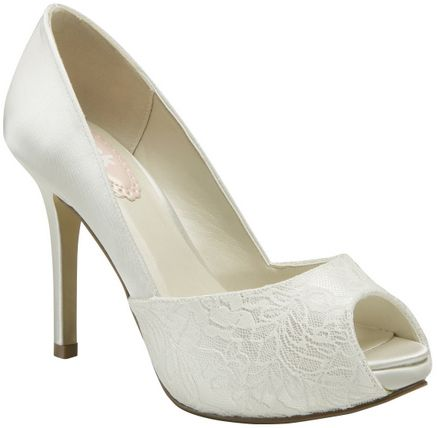 Ivory Pink Fancy Bridal Shoes   Not blingy but I still love them