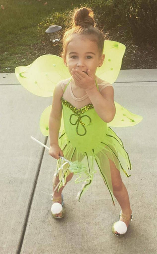 Vivianne Rose Decker from Cutest Celeb Kids on Instagram  You can fly! Jessie James Decker's daughter strikes a cute pose as Tinker Bell for Halloween.