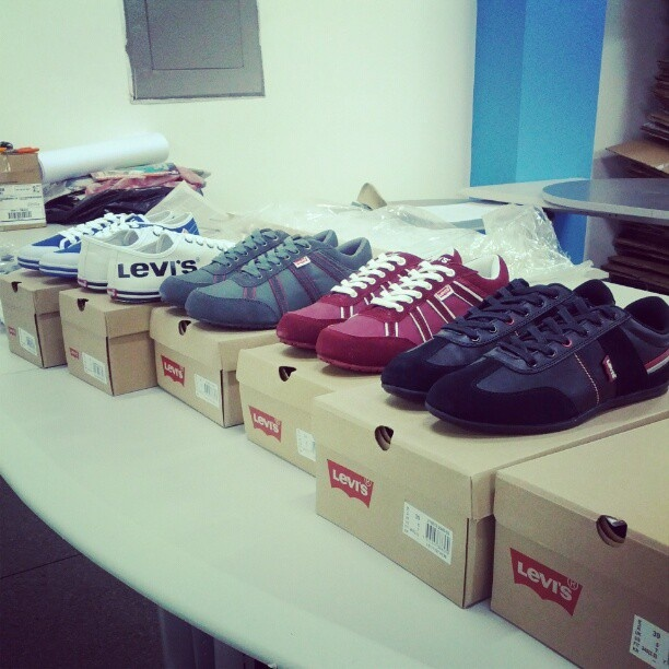 #zapatos #casuales para #hombre marca #levis