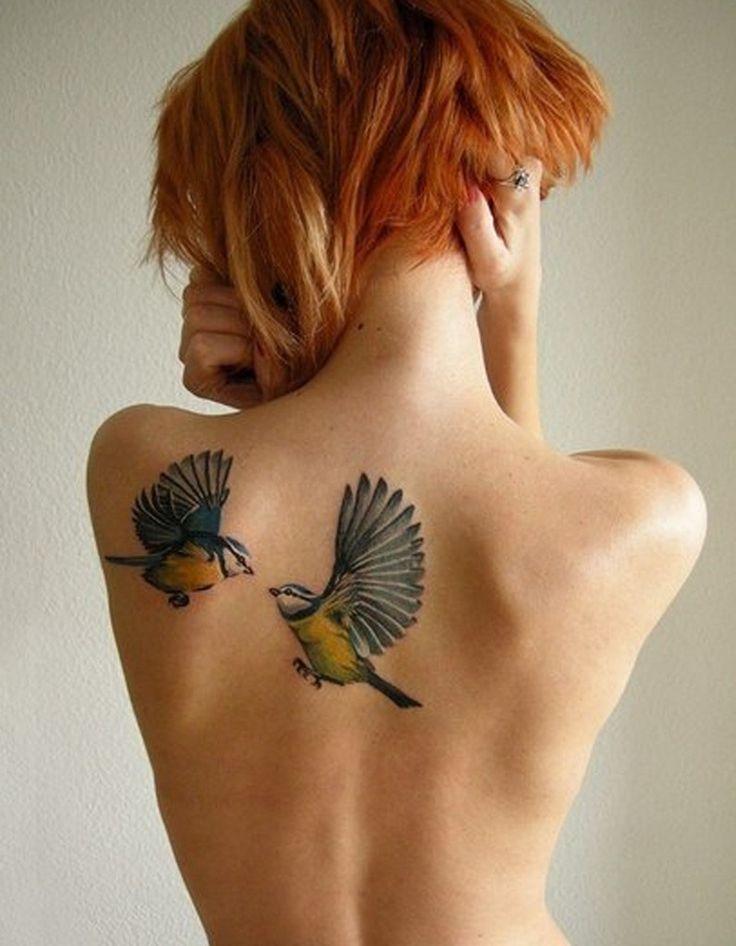 Idée tatouage : des colibris colorés