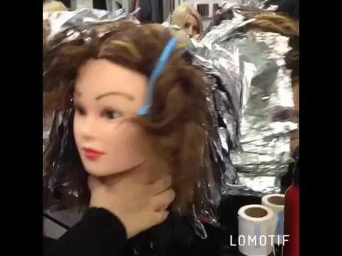 Обучение мелированию волос и химии на курсах парикмахеров в учебном цент...