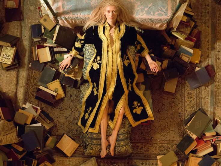 Only Lovers Left Alive(2013)UK | Germany | France | Cyprus | USA__My Rating:8.1__Director:Jim Jarmusch__Stars:Tilda Swinton、Tom Hiddleston、John Hurt