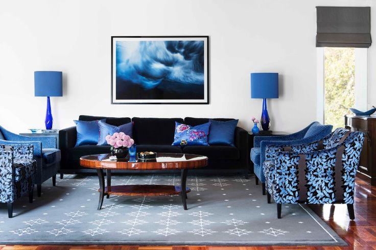 10 Remarkable Living Room Ideas By Camilla Molders Design   Modern Sofas. Black Sofa. Velvet Sofas. #modernsofas #velvetsofas #blacksofa Read more: http://modernsofas.eu/2016/09/12/remarkable-living-room-ideas-camilla-molders-design/