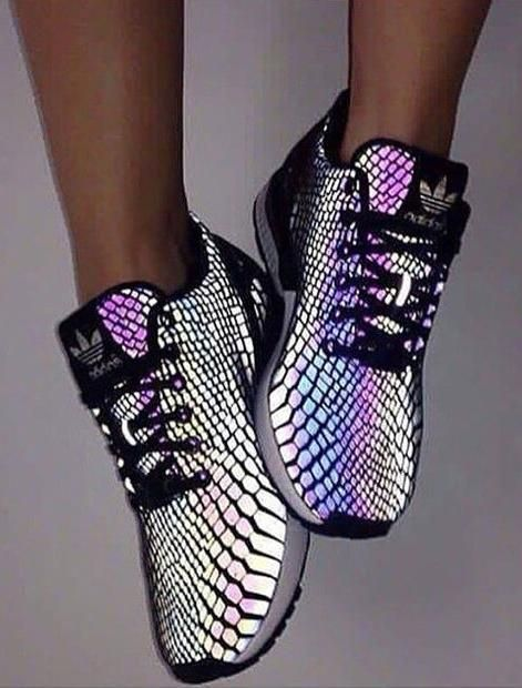 0874ed6c89b93    35.90   Chameleon Reflective Sneakers Sport Shoes
