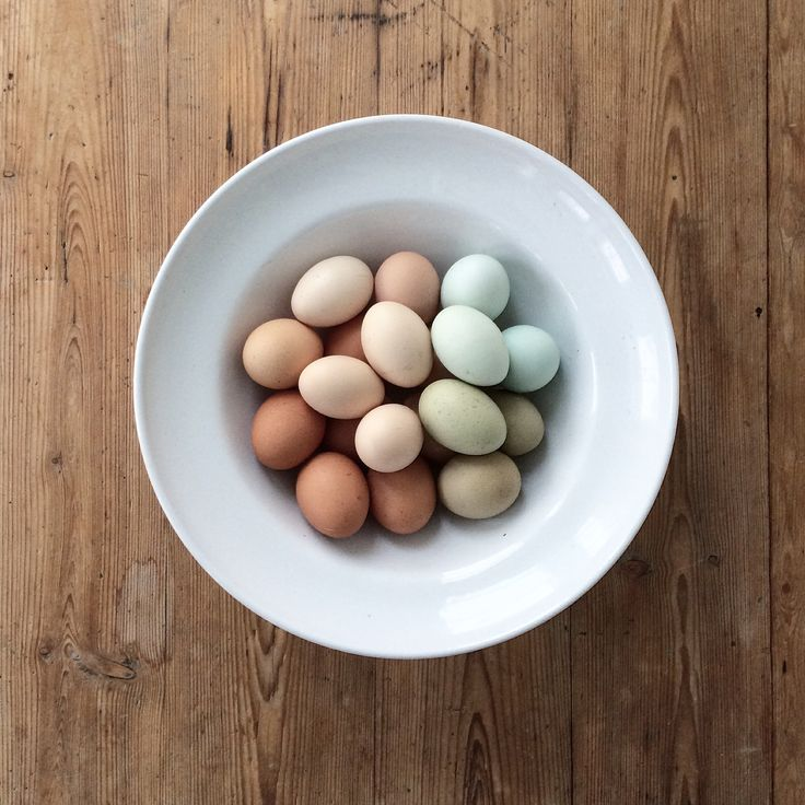 Eggs. Pastels. Neutrals. Natural. Rustic food. Healthy. Eco. By Johanna Sandberg.