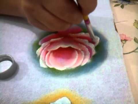 Meu video pintando uma rosa em tecido My video painting a rose in a fabric
