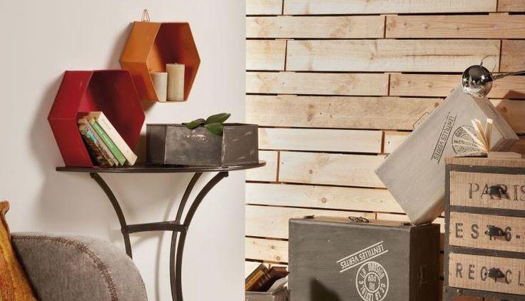 Set de 3 estanterías metálicas de pared. Acabado pintado envejecido. Color : Multicolor Materiales : Metal Mantenimiento : Limpiar con un paño seco. Montaje : No requiere montaje. Medidas: 36 - 41 - 46 x 13 - 13 - 13 x 31 - 36 - 40 cm