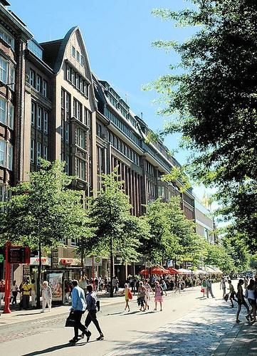 Hamburger Altstadt, Kontorhäuser an der Mönckebergstrasse, Germany Oct. 2012