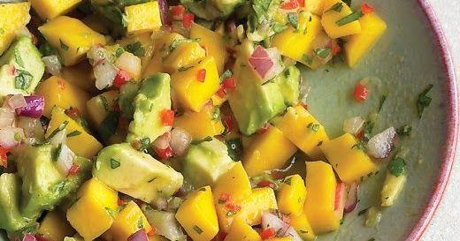 Nog een mooi recept van Martha Stewart, deze salsa past prima bij gegrild of gebraden kip, varkensvlees, vis of vlees. Mango Avocado...