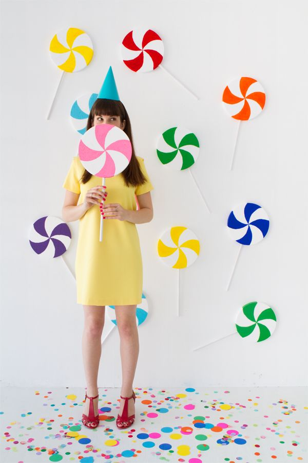 DIY Giant Lollipop Backdrop | Oh Happy Day! | Bloglovin'