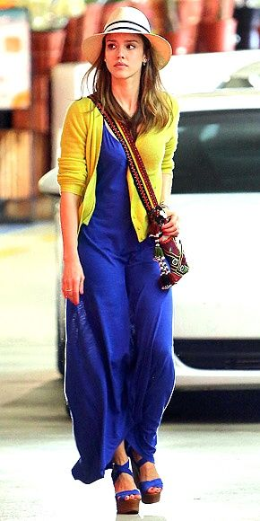 A estas alturas no hay duda de que el estilo de Jessica Alba nos encanta. Tras hacer un repaso a los últimos looks primaverales de las celebrities con maxifald