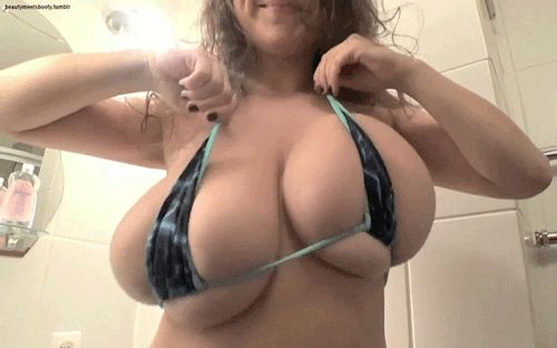 Big natrual bouncy boob movies