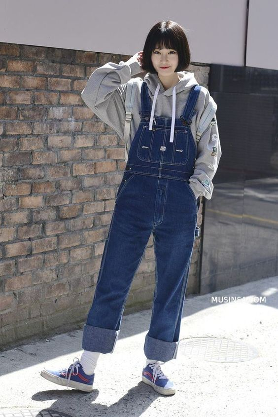21 Denim Outfits For Your Perfect Look This Winter #overalls #fashion #denim #st…