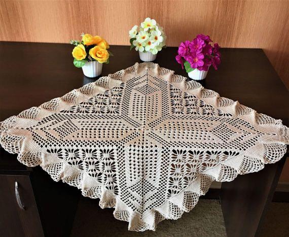 Салфетки квадратные тонкие узоры, декор вазы, украшения вашего стола, дизайн домашнего декора, подарок крючком бежевого цвета, салфетка готова, цветные узоры.