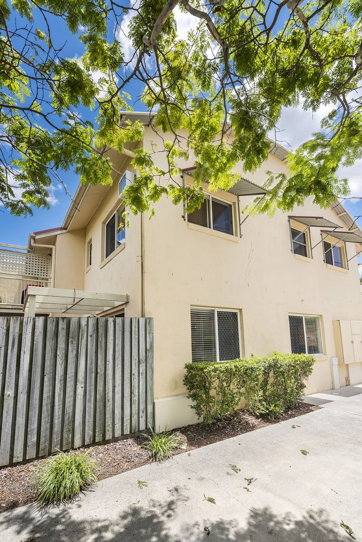 MANSFIELD 9/188 Broadwater Road...A fantastic entry point into the market or astute investment opportunity, this two bedroom 105m2 townhouse in Mansfield is an absolute must to inspect.