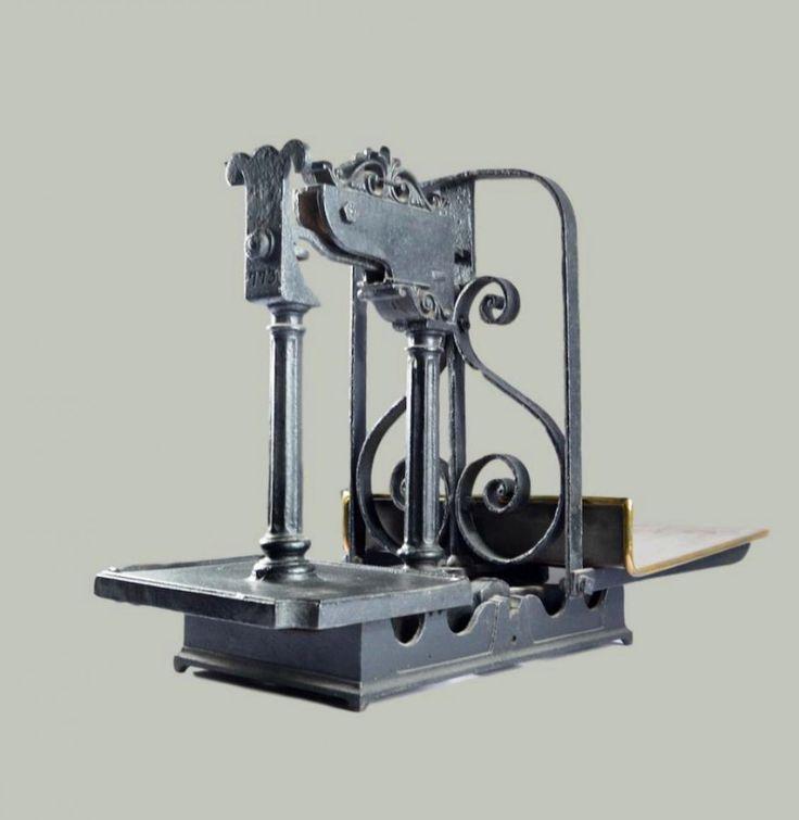 Antique Scale, Great Britain, 1900s