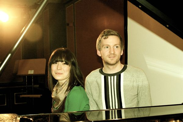 Unsere Aufnahme ist ein sehr physisches Erlebnis - Ólafur Arnalds & Alice Sara Ott im Interview - http://www.musikblog.com/2015/03/unsere-aufnahme-ist-ein-sehr-physisches-erlebnis-olafur-arnalds-alice-sara-ott-im-interview/ #AliceSaraOtt #ÓlafurArnalds