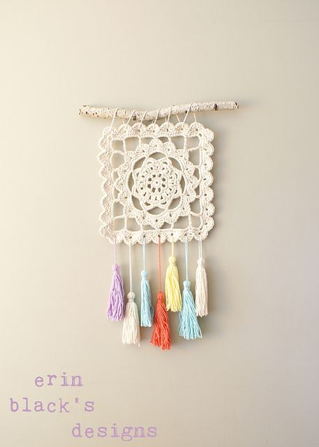 Granny Square wall hanging with dream catcher inspiration – pattern for sale on Ravelry from Erin Black
