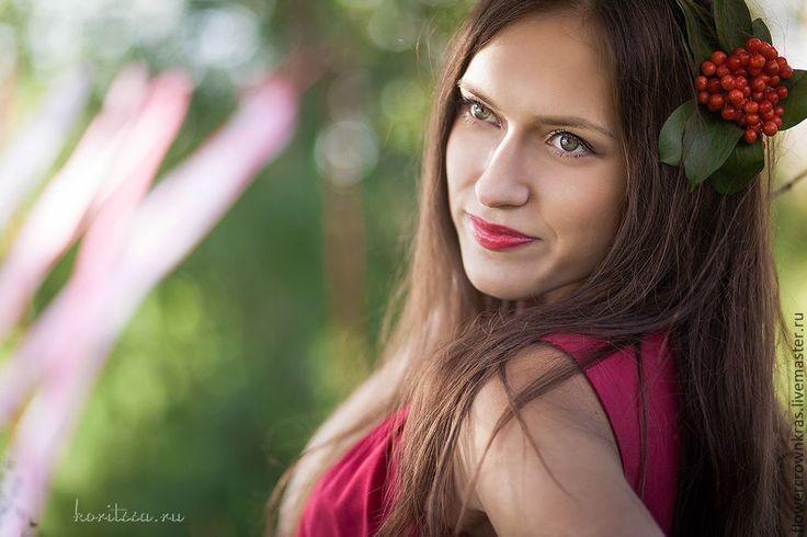 Купить Венок из калины - бордовый, красный, венок на голову, венок, венок на девичник, фотосессия в венке