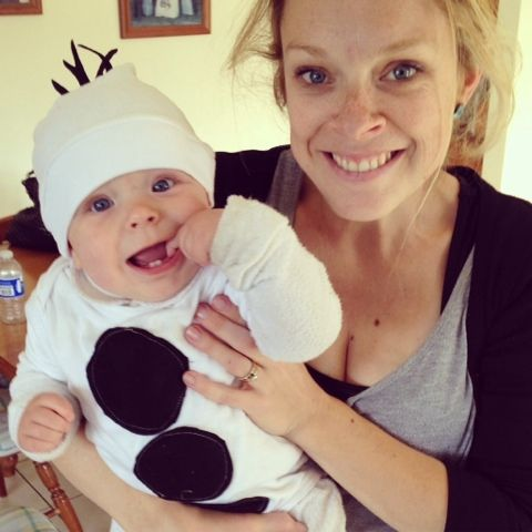 DIY Olaf Costume for baby in under 15 minutes!! Do you wanna build a snowman?