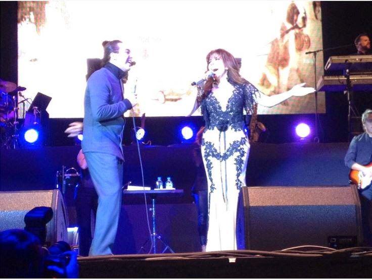 Sencillamente Verónica Castro: Verónica Castro cantando desde el Pepsi Center jun...