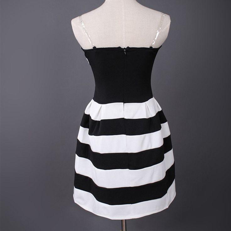 vestido preto e branco curto