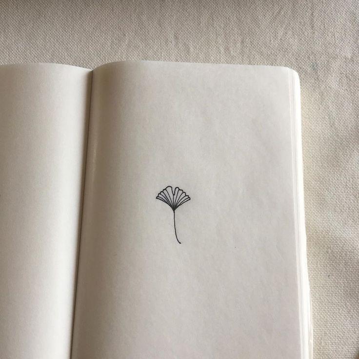 G I N K G O  Je viens de découvrir l'un des dessins que j'ai faits pour mon dernier petit tatouage …  – Minimalist Tattoos