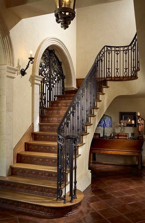 spanish style courtyard - Google Search | STAIRS ...