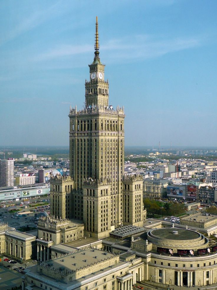 The best attractions in Warsaw - The Palace of Culture and Science