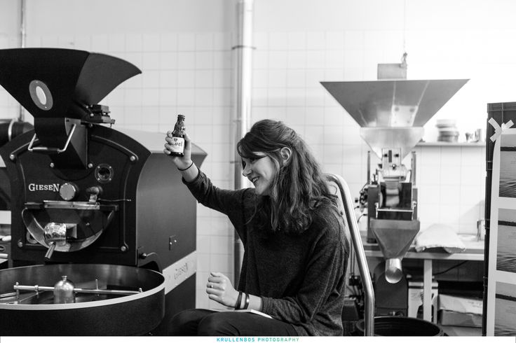 Boekpresentatie Wezens - Lot Bouwes en Hanke Arkenbout Foto door Remco de Vries bij Man met bril koffie.